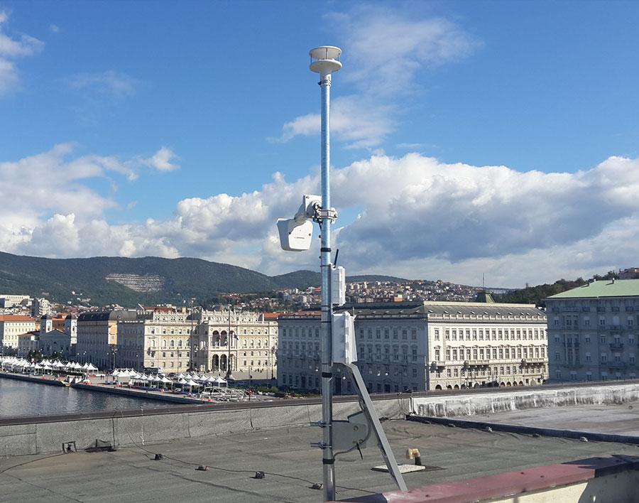 Anemometro ultrasonico e webcam day&night installati presso il Centro dei Congressi della Stazione Marittima di Trieste
