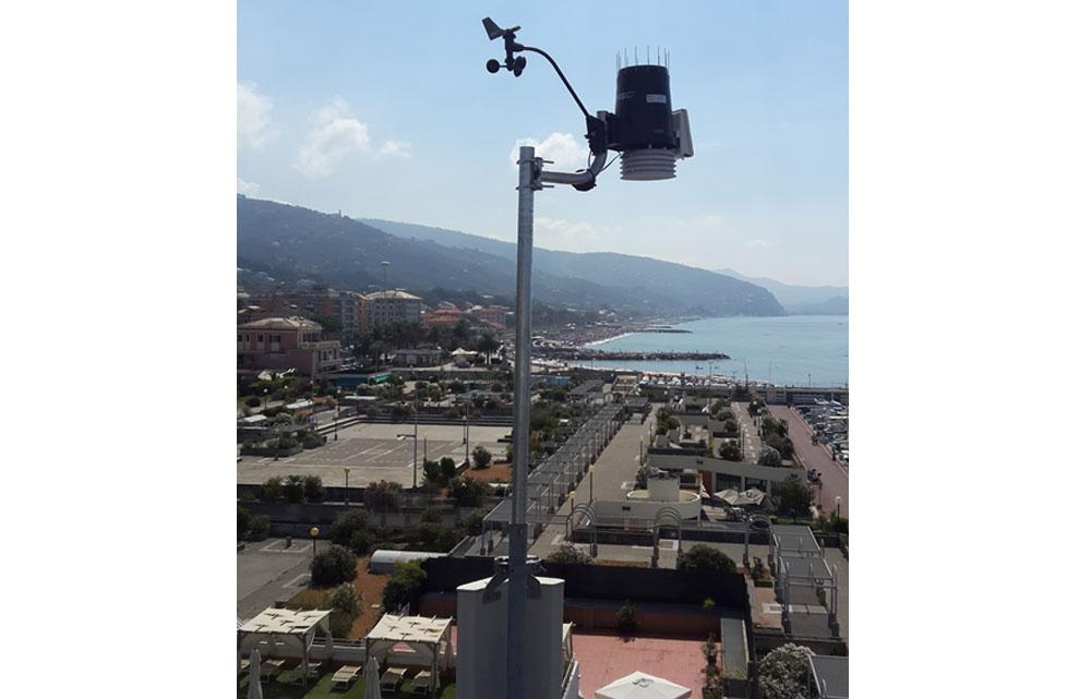 Neo arrivata (Luglio) attiva sulla torre del Porto di Lavagna la nuova Davis Vantage Pro 2 ottimamente esposta ai 4 venti